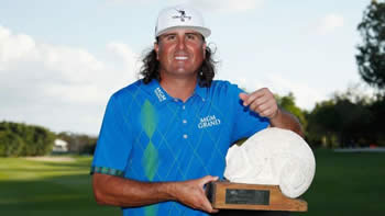 Pat Perez Defending Champion